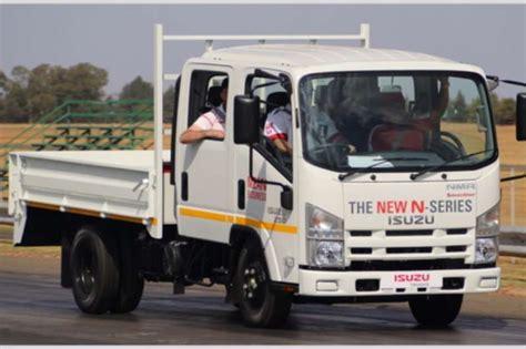 2017 Isuzu Nmr 250 Crew Cab Amt Dropside Truck Trucks For