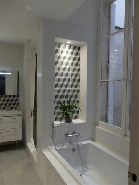 niche de salle de bain niche 224 carreaux de ciment g 233 om 233 trique contemporain salle de bain bordeaux par atelier yuj