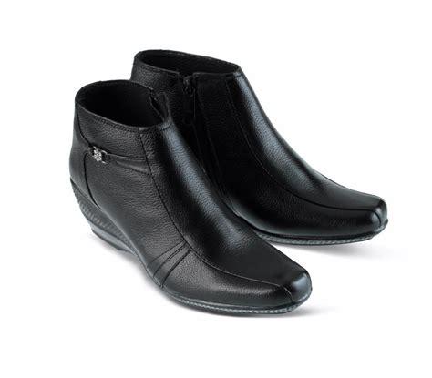 12yy Wedges Boots Sepatu Wanita jual pdh boot wanita boot kulit wanita sepatu boot wedges