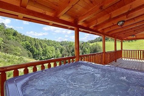 cabins in tennessee with tub 4 things you will about our 2 bedroom cabin rentals