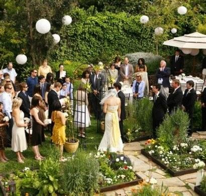 Was Im Herbst Im Garten Machen by Bezaubernde Hochzeit Deko Im Garten 10 Inspirierende Ideen
