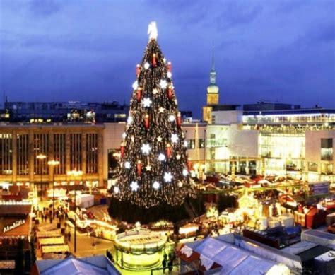 arboles de navidad grandes y bellos