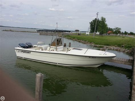 Pursuit Boats Center Console by 1990 Used Pursuit 2550 Center Console Fishing Boat For