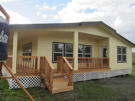 Marlette Redwood II Manufactured Home   J & M Homes LLC