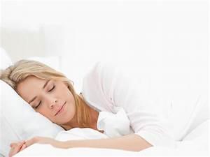 In Welche Richtung Schlafen : gut schlafen fit aufwachen f r sie ~ Frokenaadalensverden.com Haus und Dekorationen