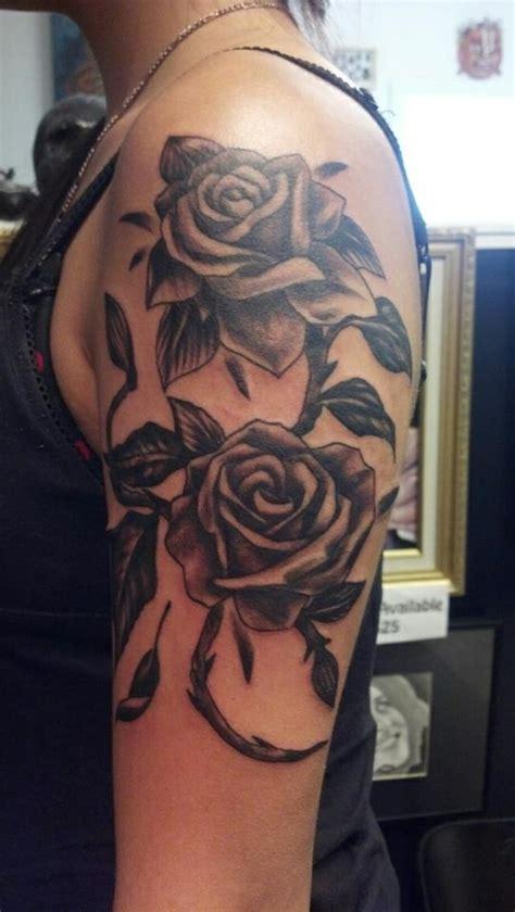 tattoos für frauen vorlagen 1001 oberarm designs beispiele f 252 r einen neuen look
