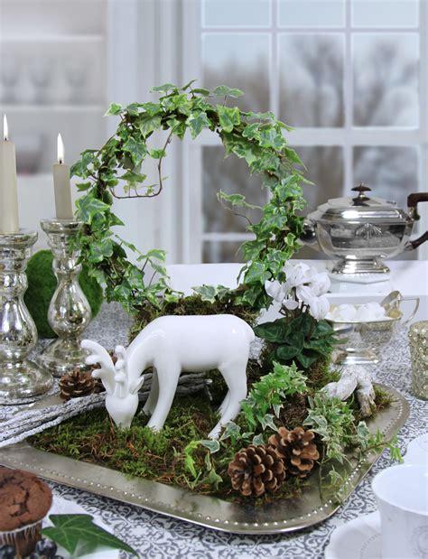 Weihnachtsdeko Auf Dem Gartentisch by Herbstliche Tischdekoration Mit Hirsch Moos Und