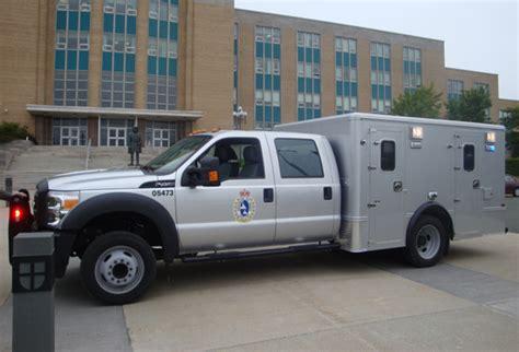 prisoner transport vehicle offers enhanced safety