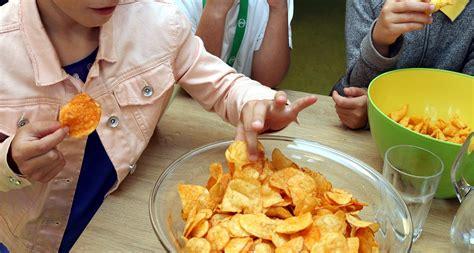 Kā noteikt, vai bērnam ir liekais svars, un kā ar to ...