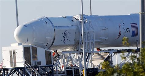 3 states vie for SpaceX's commercial rocket launches