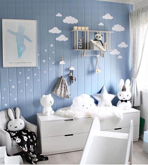 Kinderzimmer Deko Flugzeug by Blaues Kinderzimmer Mit Flugzeug Regal Kinderrutsche Und