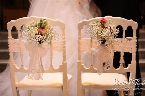 chaise napol 233 on bouquets bancs et dentelle d 233 co mariage 233 glise d annecy mille et une