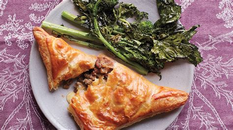 beef  cheddar hand pies