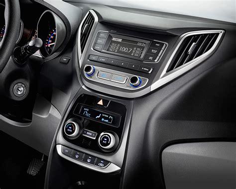 novo hb  sedan preco consumo ficha tecnica