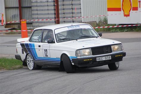 Volvo 242 Turbo Rallying!
