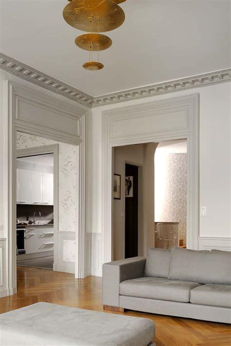 salon nuance de gris ou de beige pour contours fenetres