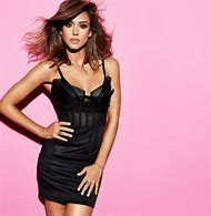 Jessica Alba Cosmopolitan Magazine