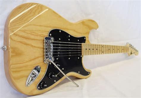 foto de G&L Tribute Legacy Natural > Guitars Electric Solid Body