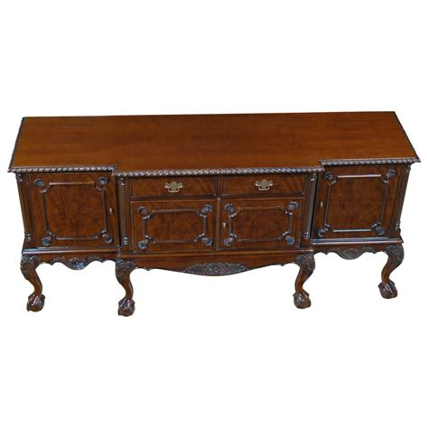 Chippendale Sideboard by Nsb051 Niagara Furniture And Claw Sideboard