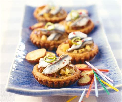 astuce de cyril lignac miniquiches aux anchois pommes