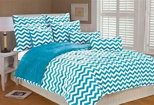 Image, Of, Turquoise, And, White, Bedding, Set, Product