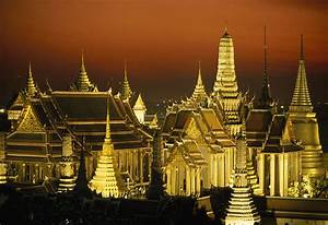 Grand Palace And Temple Of The Emerald Photograph by Paul