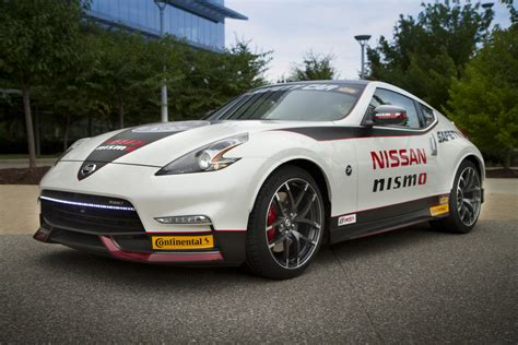 nissan  nismo   official safety car