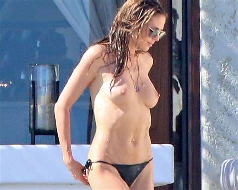 Heidi Klum Topless Candid Vacation Photos