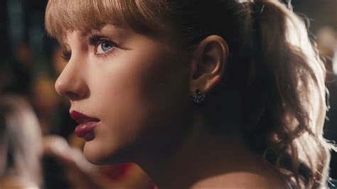Taylor Swift Releases 'delicate' Music Video At