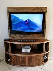 DIY Wood Pallet Entertainment Center - TV Stand Pallet
