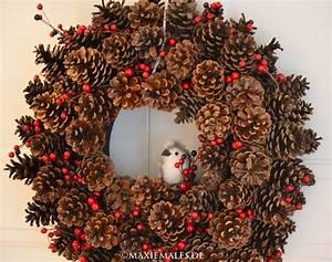 Basteln Kindern Weihnachten Tannenzapfen : t rkranz aus tannenzapfen basteln mit kindern maxiemales ~ Whattoseeinmadrid.com Haus und Dekorationen