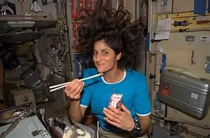 Hair-Raising Dinner (2007)   NASA