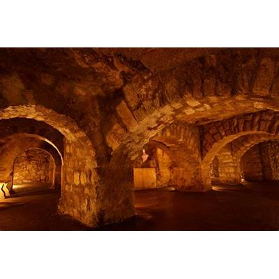 Mysterious Labyrinth of Buda: Enigmatic Ancient Caves