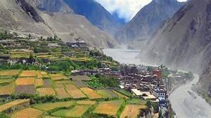 Upper Mustang Trekking Drift Nepal Expedition