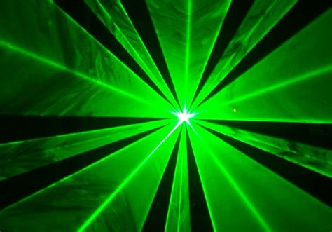 green light laser black horizon jet blue pilot injured by laser