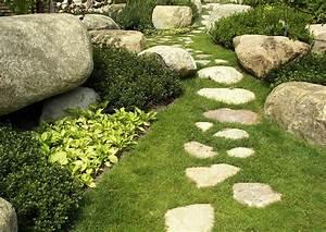 der steingarten nur steine im garten With französischer balkon mit natursteine findlinge für den garten