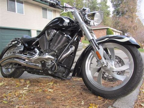 Victory Kingpin Motorcycle 2008 Custom Black W/flames