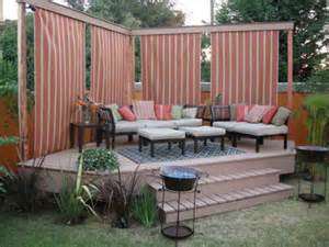 How Many Yards For Curtains by Simple And Easy Backyard Privacy Ideas Midcityeast