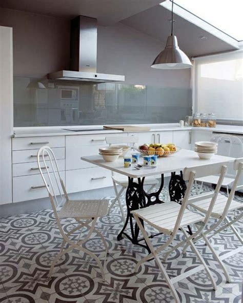 carrelage pour sol de cuisine 59 idées pour le revêtement de sol parfait