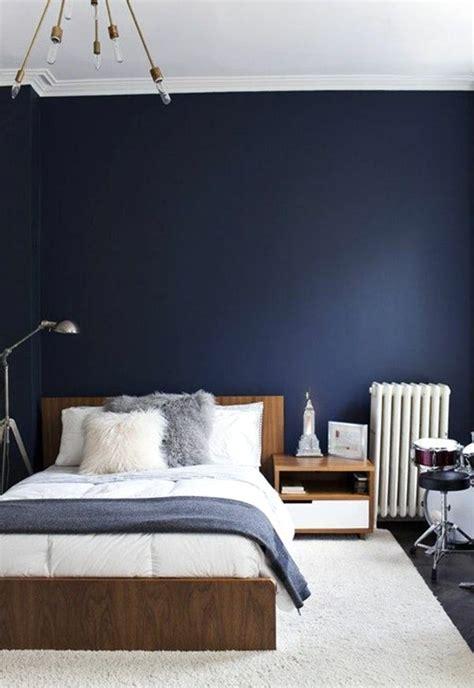 peinture bleu marine chambre avec decoration nuit