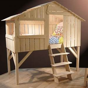 Lit Bebe Cabane : lit enfant cabane en bois avec escalier ~ Teatrodelosmanantiales.com Idées de Décoration