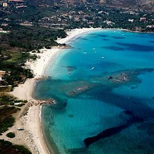 Baia Corallina Beach in sardinia :: Beachoo