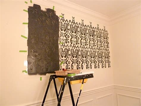diy   stencil  wall   house  inspired