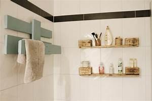 Balkonmöbel Aus Europaletten : handtuchhalter aus paletten diy upcycling palettenm bel ~ Orissabook.com Haus und Dekorationen