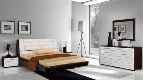 italian bedroom furniture 2013 bedroom designs luxurious italian bedroom furniture tufted headboard fur rug bedroom designs