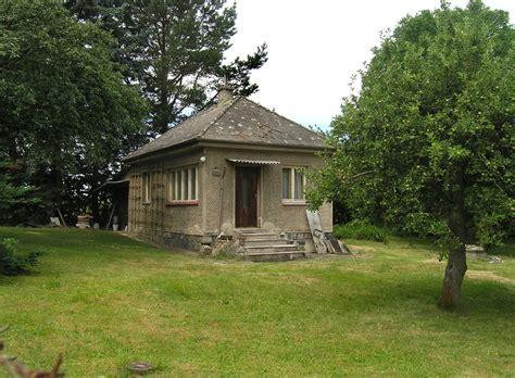 file kunice vidovice garden house jpg