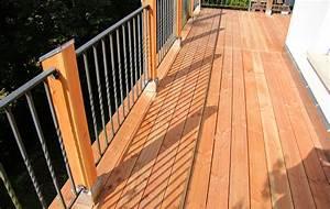 Holz Im Nassbereich : holzbalkon in wilhelmsfeld ~ Markanthonyermac.com Haus und Dekorationen