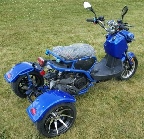 sale cc trike  dogg ii scooter gas moped