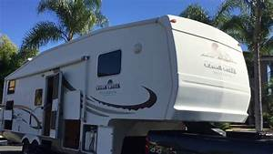 2005 Forest River Cedar Creek Silverback 5th Wheel 31lbhbs