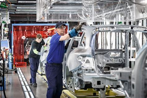 mercedes factory mercedes benz factory and workplace tours bremen at a